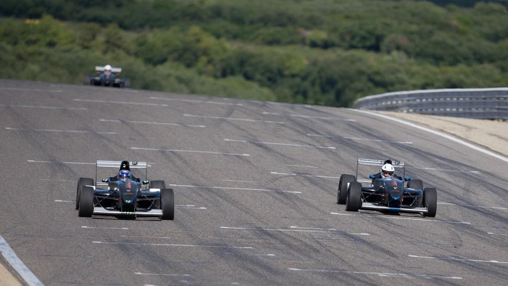 Formule Renault 2000 : sensations garanties !