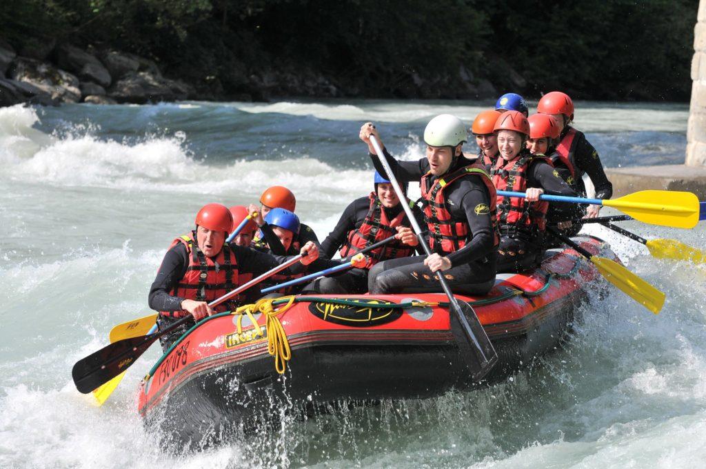 Activité plein air rafting