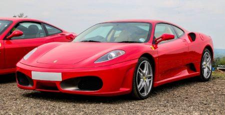 Voiture supercar Ferrari F430 rouge