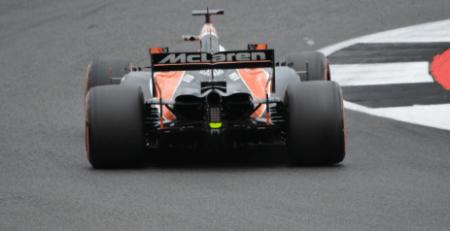 Article de CD-Sport sur l'histoire, évolutions techniques et performances de la McLaren MCL35