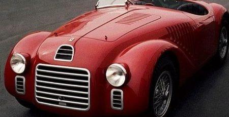 Première Ferrari : Histoire et performance de ce modèle mythique